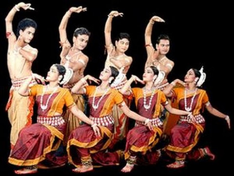 The Odissi (Orrisi) - Indian Classical Dance - YouTube