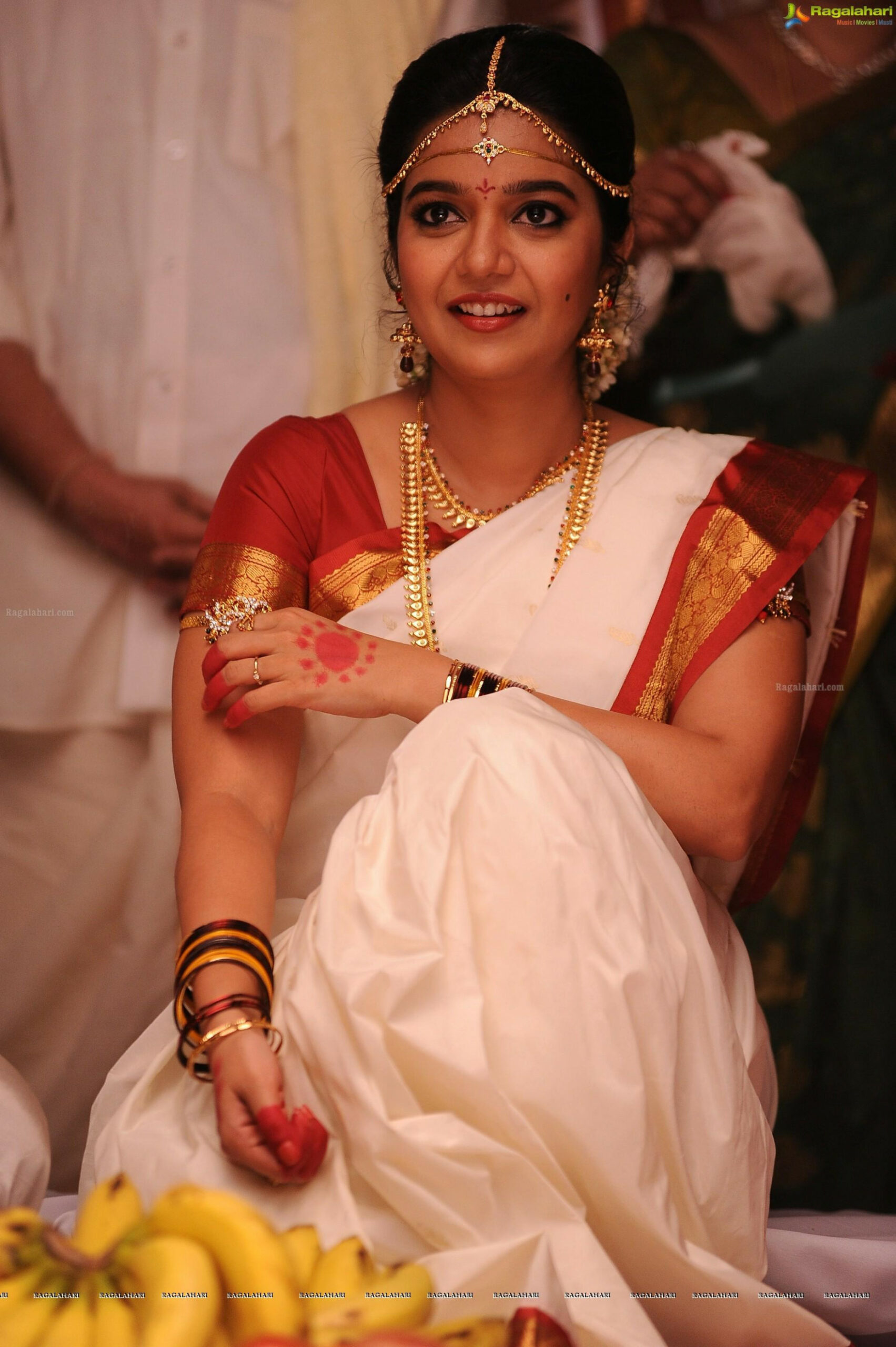 Tollywood HQ - Colours Swathi In Wedding Saree Photos
