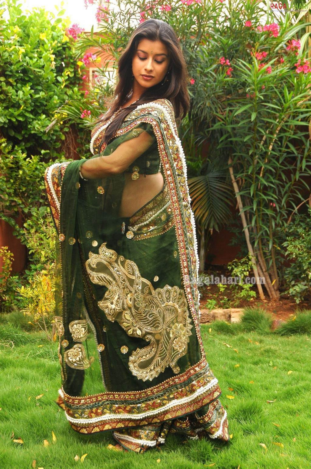 Tollywood HQ - Madhurima Photo Gallery From Saree