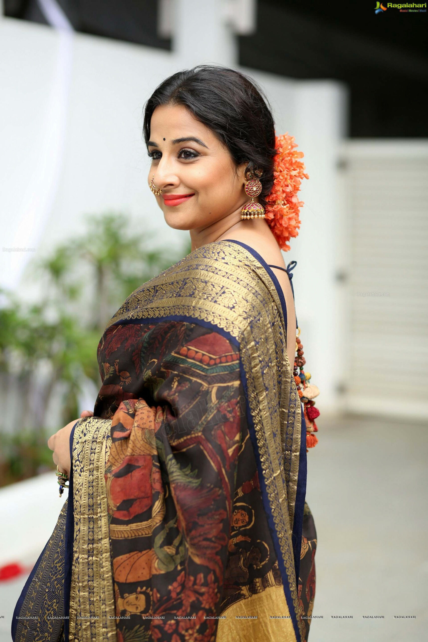 Tollywood HQ - Vidya Balan Saree Kausalyam 2017 Photos