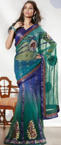 Utsav fashion Bollywood Replica Saree 2014 Utsav  Young