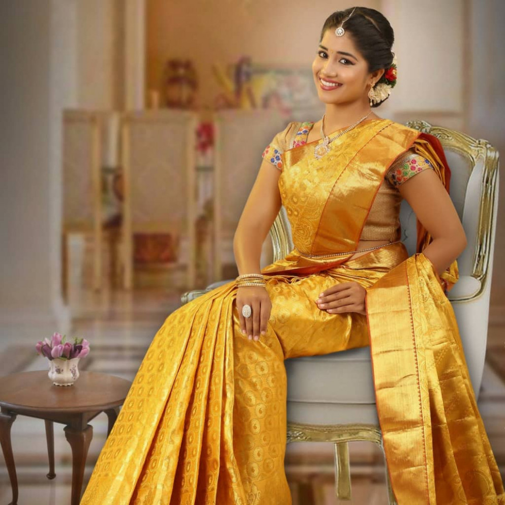 What Are The Latest South Indian Saree Trends And Styles?