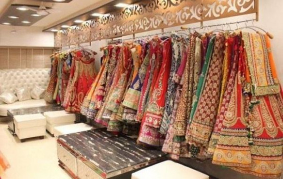 What is a good place to shop for sarees in New Delhi? - Quora