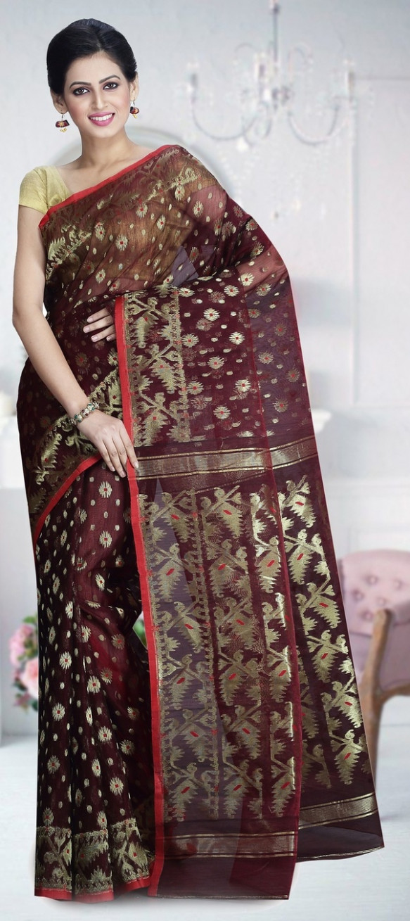 What is the most comfortable saree material? - Quora