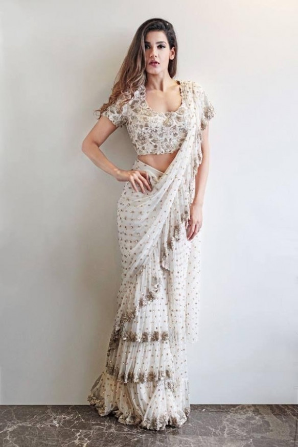 What types of sarees are in fashion, now? - Quora