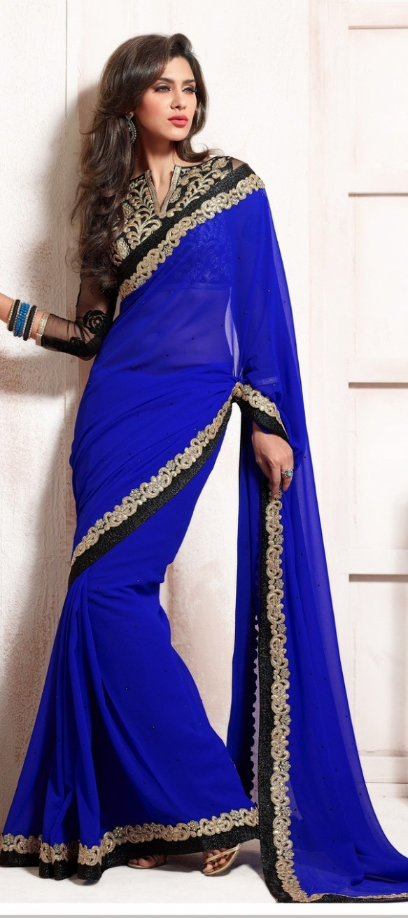 Which colour blouse will suit blue coloured saree? - Quora