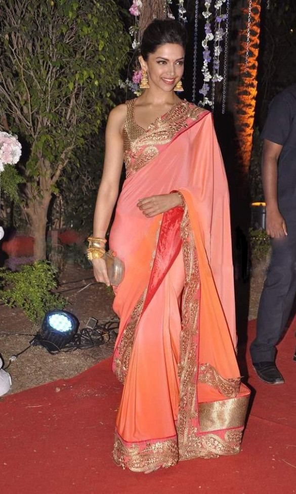 Which is the best deepika padukone saree moment