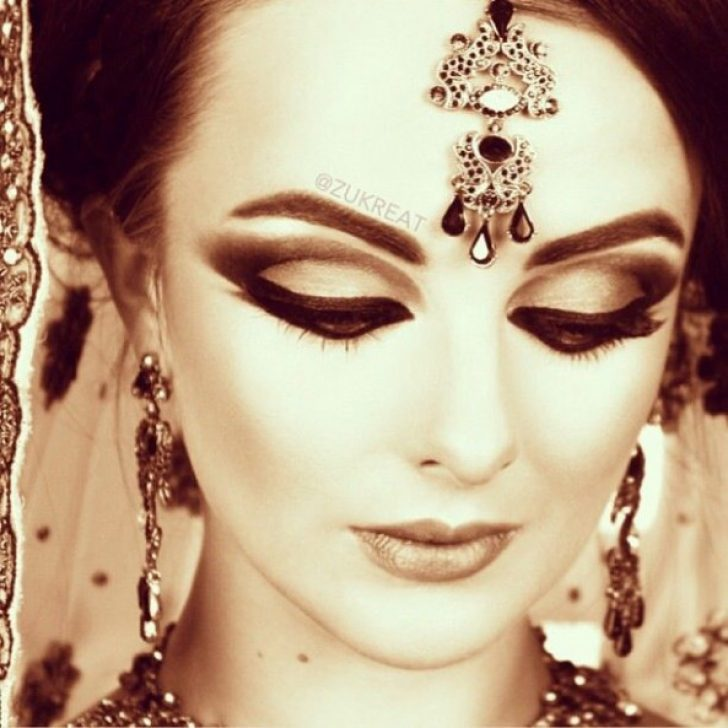 Permalink to The Biggest Contribution Of Bollywood Dance Makeup To Humanity
