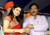 Actress Srabonti tie Rakhi on the wrist of West Bengal ..