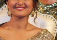 Bollywood Actress Sonakshi Sinha hot photos in Saree HD ..