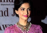 Bollywood Stars and Their Favourite Lipsticks – bollywood makeup brand