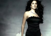 BOLLYWOOD TOLLYWOOD ACTRESS WALLPAPERS: Katrina Navel Kiss ..