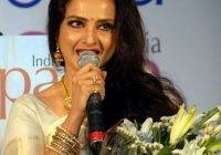 File:Bollywood actress Rekha FilmiTadka..JPG – Wikimedia ..