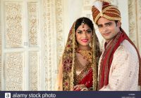 Indian bride and groom in traditional wedding dress Stock ..