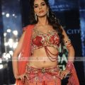 Mallika Sherawat Ramp Walk At India Bridal Week – 7 Pics – indian bridal ramp walk