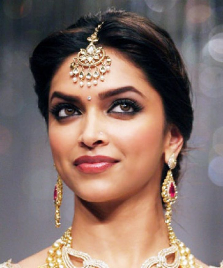 Permalink to Most Effective Ways To Overcome Bollywood Makeup's Problem