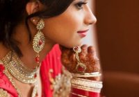 This Indian bride poses for beautiful wedding portraits ..
