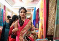 Tollywood Actress Bhavya Sri Inaugurates Silk India Expo ..