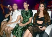 Veere di wedding Hot Dance & Photos Sonam kapoor, kareena ..