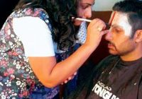 Women can also be make-up artist – how to become a bollywood makeup artist